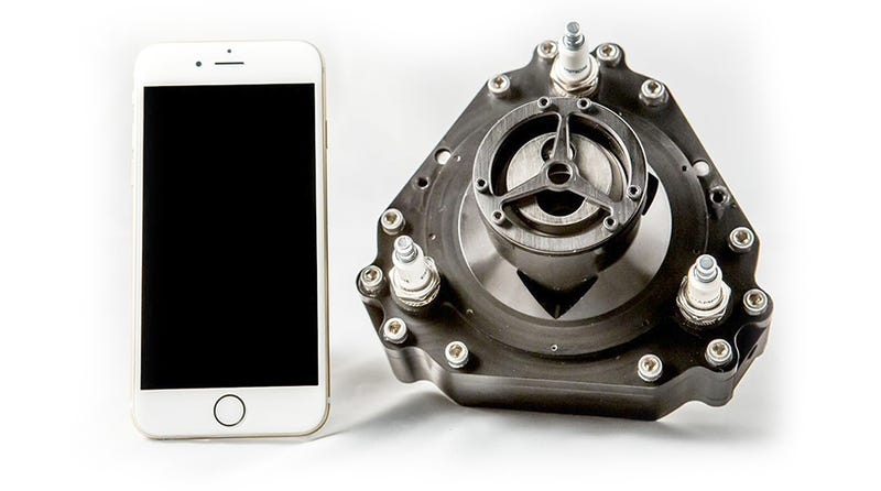 Illustration for article titled Este motor de combustión ruso del tamaño de un iPhone tiene 5 CV y puede impulsar un kart
