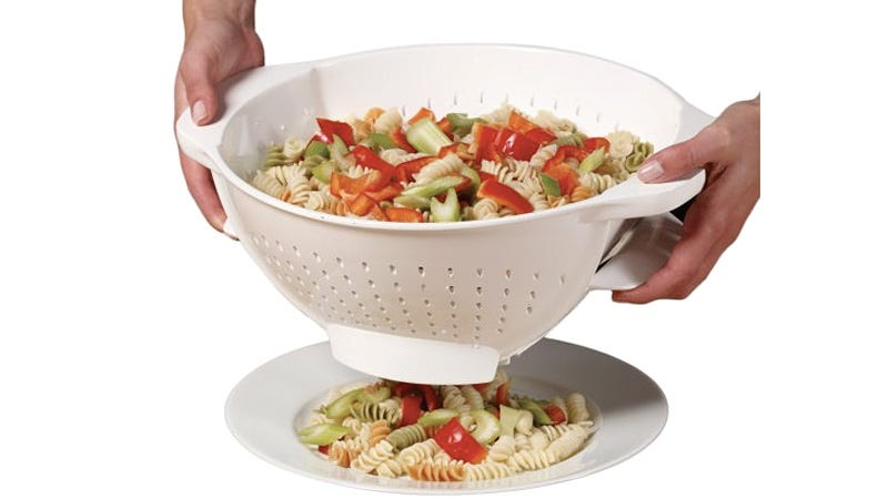 Illustration for article titled Trap Door Colander Will Revolutionize Your Kitchen