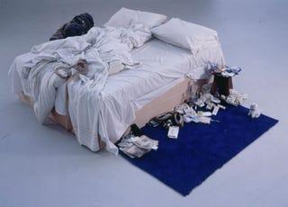 Illustration for article titled 400 millióért elvihető a brit művész mocskos ágya
