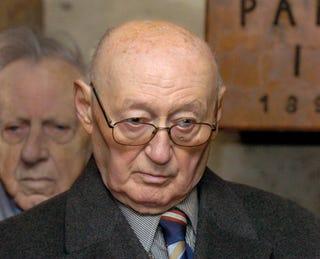 Illustration for article titled 5 és fél évre ítélték a 93 éves Biszku Bélát