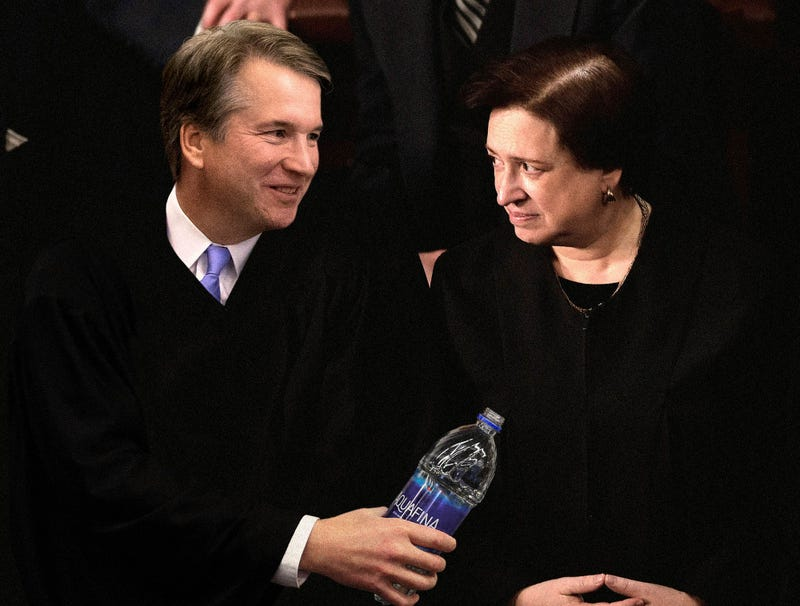 Illustration for article titled Kavanaugh Offers Elena Kagan Pull Of Vodka From Aquafina Bottle