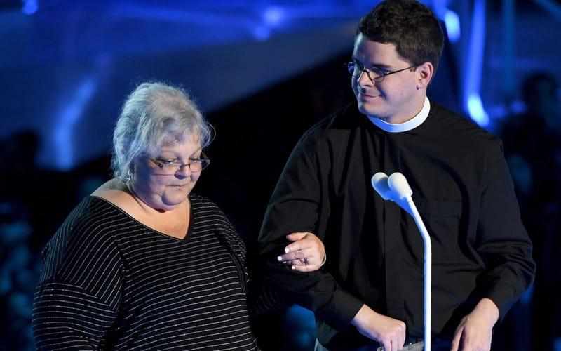 Robert W. Lee IV and Susan Bro at the MTV Awards (MTV)