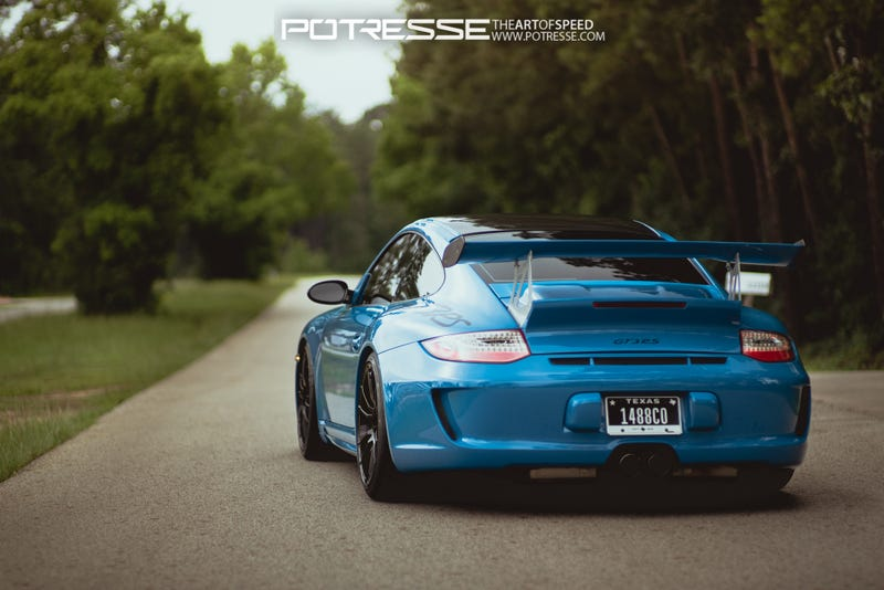 Illustration for article titled 997 GT3 RS in Smurfberry Blue.