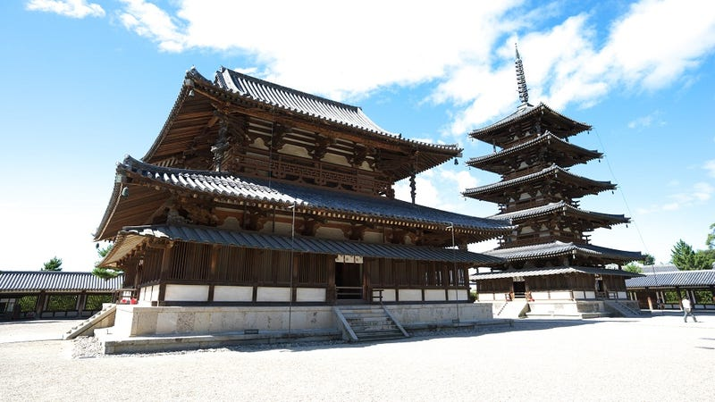 Illustration for article titled How Japan's Oldest Wooden Building Survives Giant Earthquakes