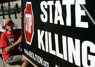 Anti-death-penalty group holds demonstration. (Getty)