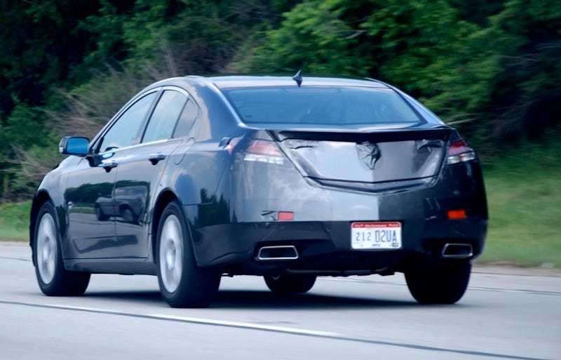 Illustration for article titled 2009 Acura TL Shows Us Its Rear End Yet Again