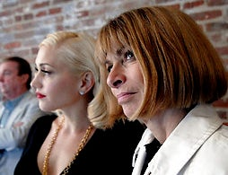 Illustration for article titled How Ladymag Editors Anna Wintour & Bonnie Fuller Talk Directly To Your Id