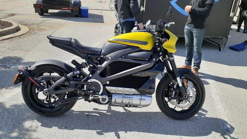 Illustration for article titled Straddling the Future: Harley-Davidson LiveWire First Impressions