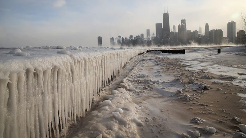 Illustration for article titled 21 Pictures of Chicago's Modern-Day Ice Age