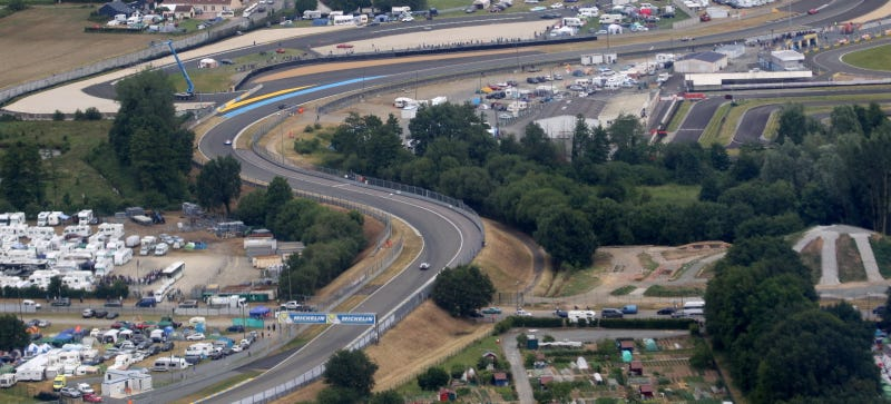 Illustration for article titled The 24 Hours Of Le Mans Is Unbelievable From The Air