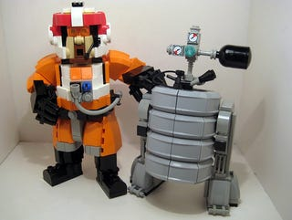 Illustration for article titled Porkins' B3-3R Astrokeg LEGO Droid Mixes Our Three Favorite Things
