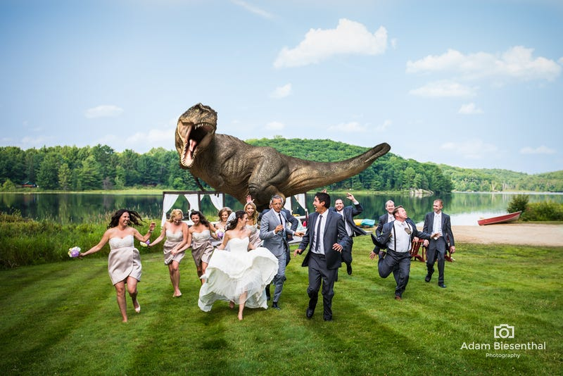 Illustration for article titled Jeff Goldblum Just One-Upped The World's Greatest Wedding Photograph