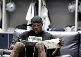 Illustration for article titled Terrell Owens Will Not Turn In His Playbook Until He's Done Coloring It