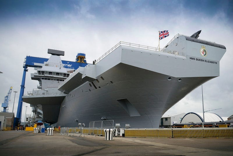 HMS Queen Elizabeth. Wikimedia Commons