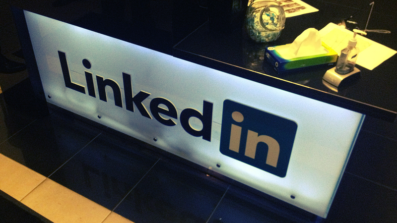 Develop Your LinkedIn Base with These Daily, Weekly and Monthly Posts
