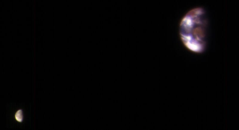 Incredible New Image Shows the Earth and Moon From Mars