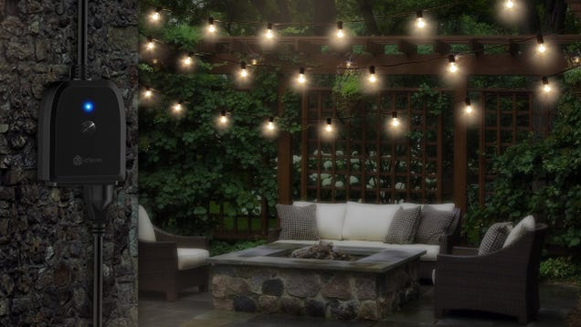 This $23 Smart Plug Is Perfect For Outdoor Lighting