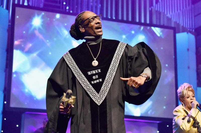 Illustration for article titled Snoop Dogg's Gospel Album,Bible of Love,Is All Right With Me. Praise the Lord