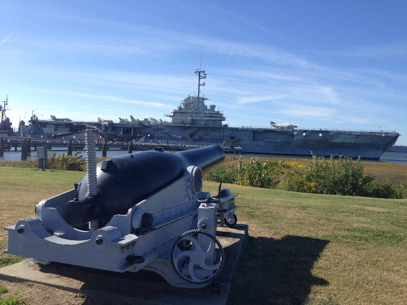 Illustration for article titled USS Yorktown Visit, Charleston SC