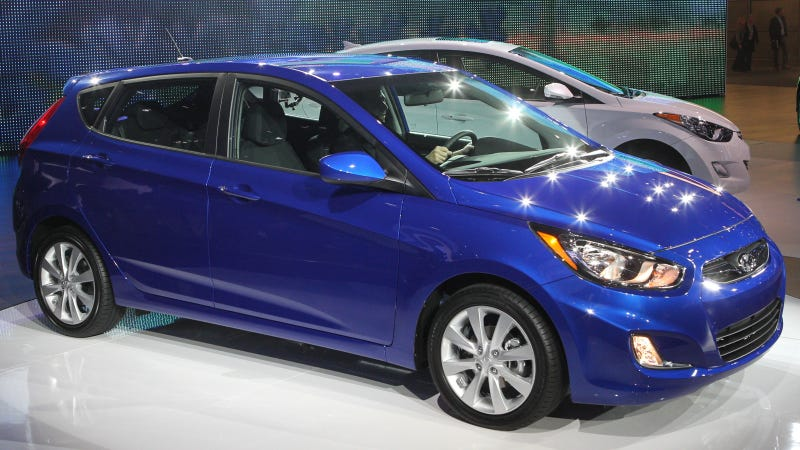 Illustration for article titled 2012 Hyundai Accent is here to give Honda the Fits