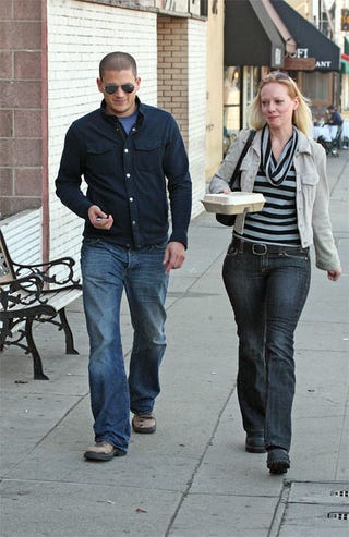 Illustration for article titled Wentworth Miller Leaves The Prison Stripes To Ladyfriend