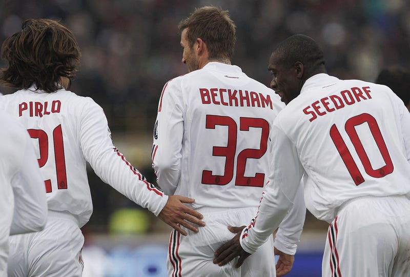 Illustration for article titled Beckham Gets Bum-Rushed