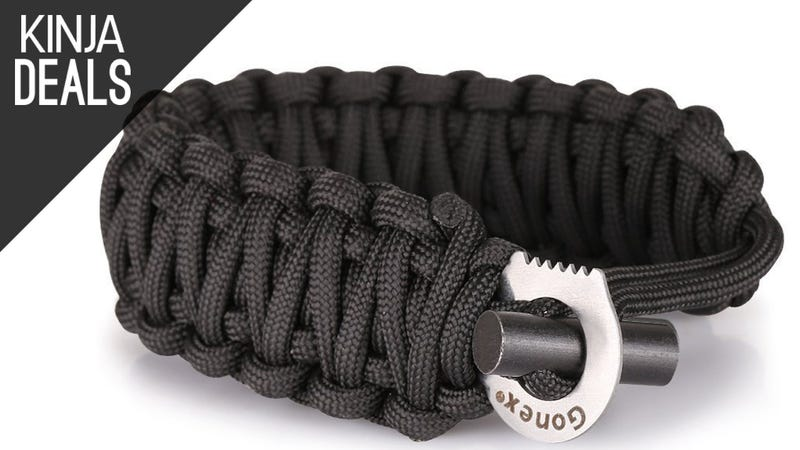 Illustration for article titled This $6 Bracelet is Made of 18' of Paracord and Fire Starter