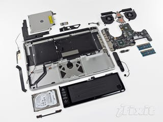 Illustration for article titled iFixit MacBook Pro Teardown Reveals New Antenna and Bigger Battery