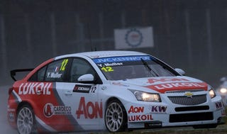 Illustration for article titled Double WTCC victory for Chevy at Monza