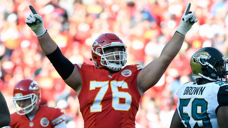 "Illustration for article titled The NFL Won't Let Dr. Laurent Duvernay-Tardif Put ""M.D."" On The Back Of His Jersey"