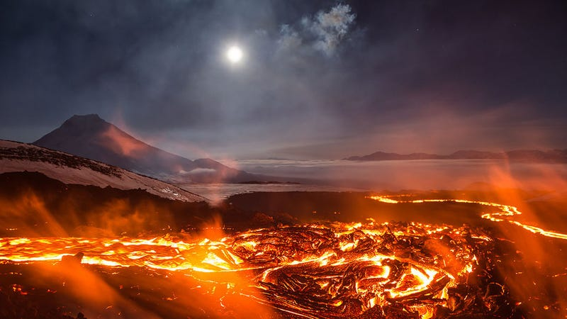 Illustration for article titled It's Only Reasonable To Think That This Russian Volcano Looks Like Mordor