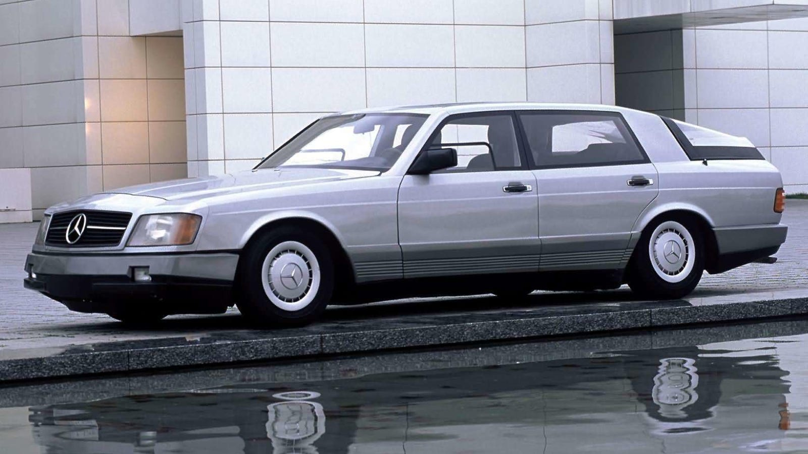 The mercedes benz auto 2000 was the car of the future in 1981 for 1980s mercedes benz