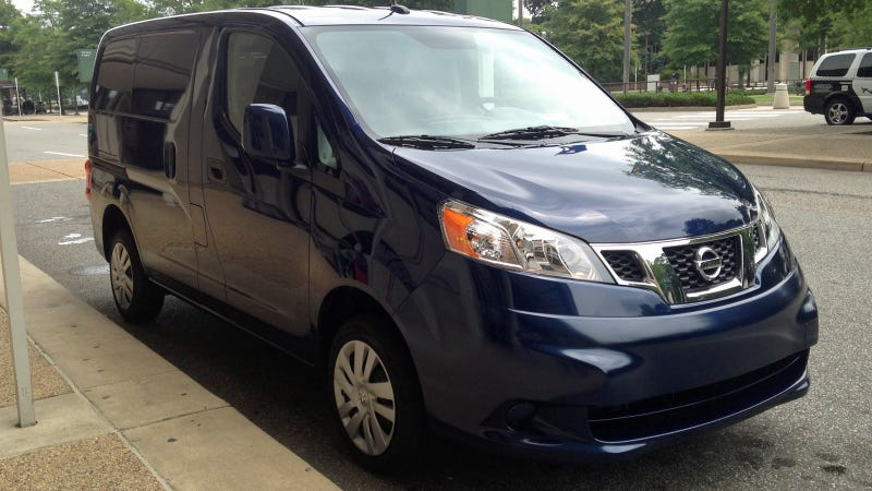 Illustration for article titled I'm Moving Into A 2014 Nissan NV200 Compact Cargo Van, Ask Me Anything