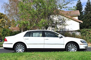 Illustration for article titled Everything wrong with the 2005 VW Phaeton