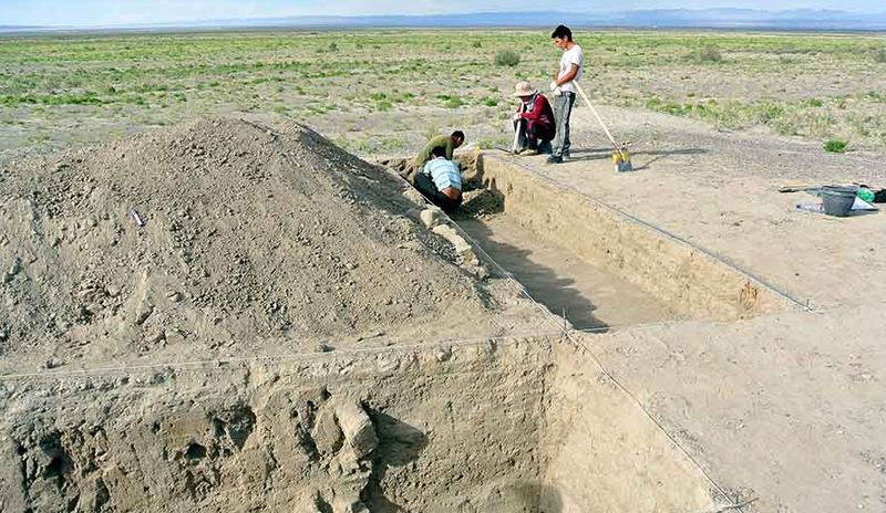 Illustration for article titled Genghis Khan's Lost Fortress Uncovered In Western Mongolia