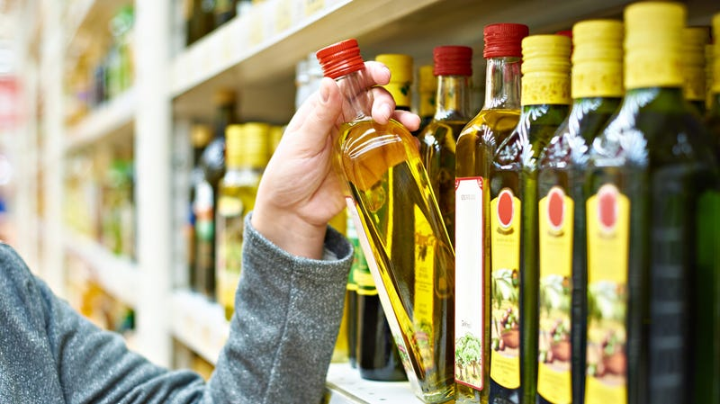 Illustration for article titled What to Look for When Buying Olive Oil
