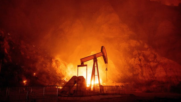 Fossil Fuel Companies Are Beginning to Fall Behind on Their Loans