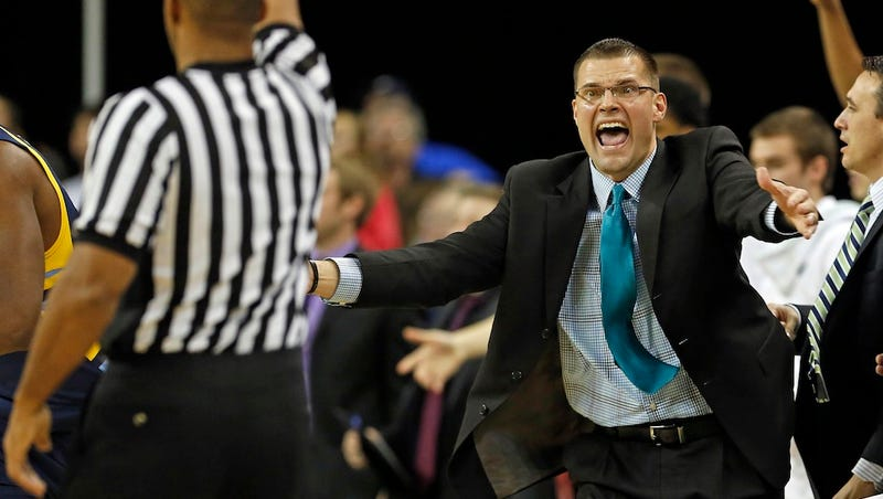 Illustration for article titled UWGB Hoops Coach Brian Wardle Will Make You Run Until You Poop