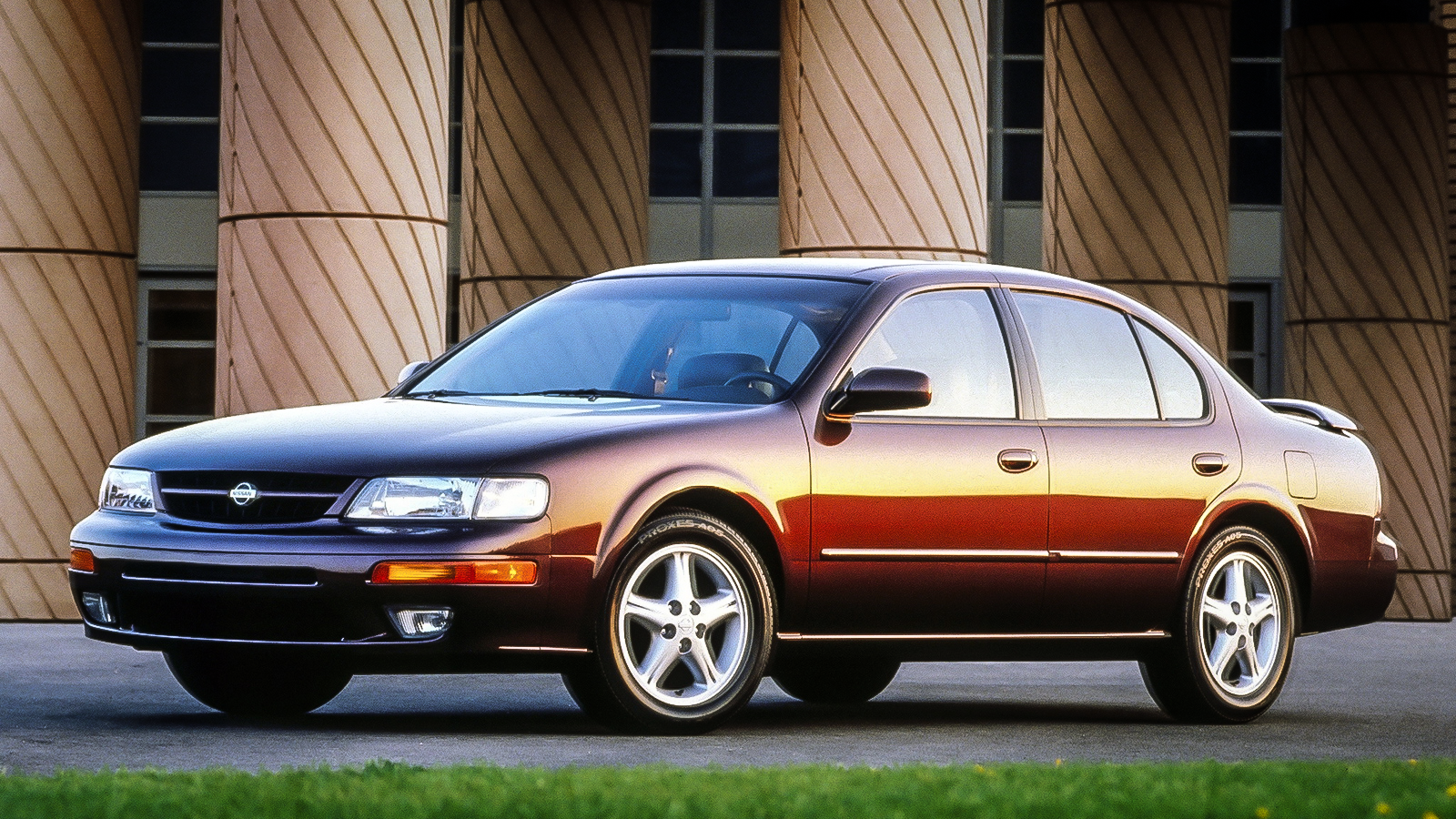 here are five reasons why you need to buy a nissan maxima right now rh jalopnik com 1998 Nissan Maxima 1998 Nissan Maxima