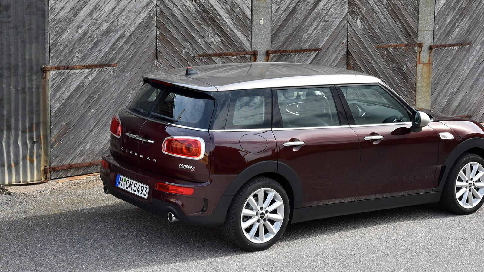 the 2016 mini clubman is the cool mini for grown ups. Black Bedroom Furniture Sets. Home Design Ideas