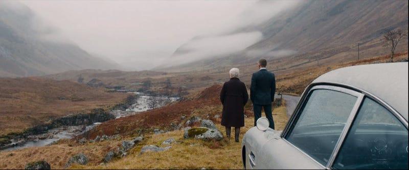 Illustration for article titled Daniel Craig and Sam Mendes confirmed for Bond 24