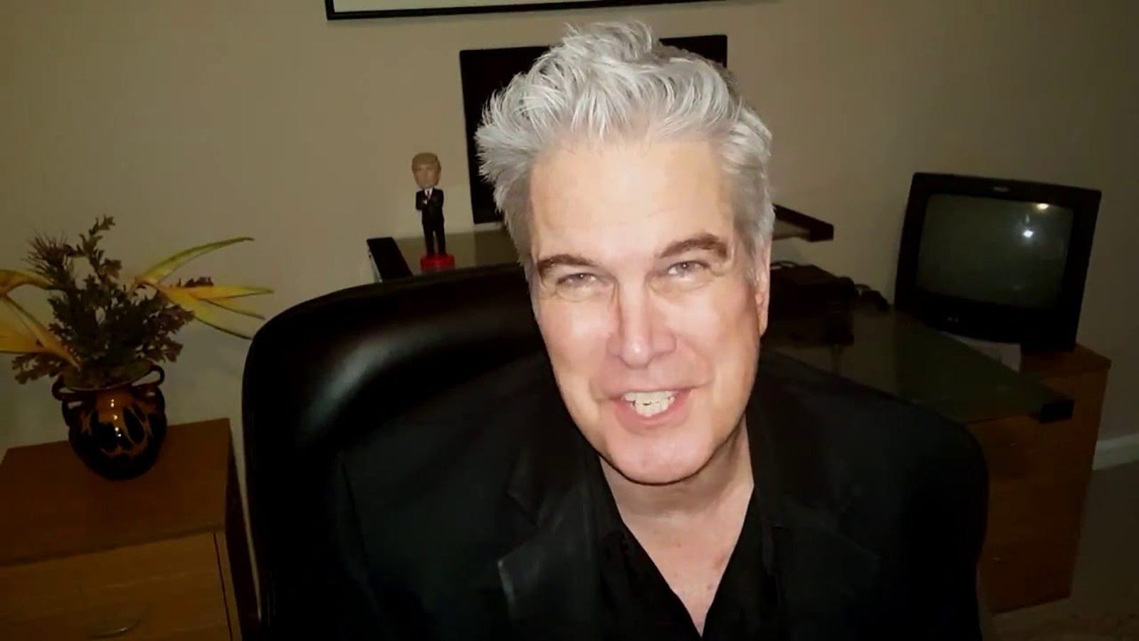 Trump Pundit Bill Mitchell Burns His Life Down With Pepe Tweet