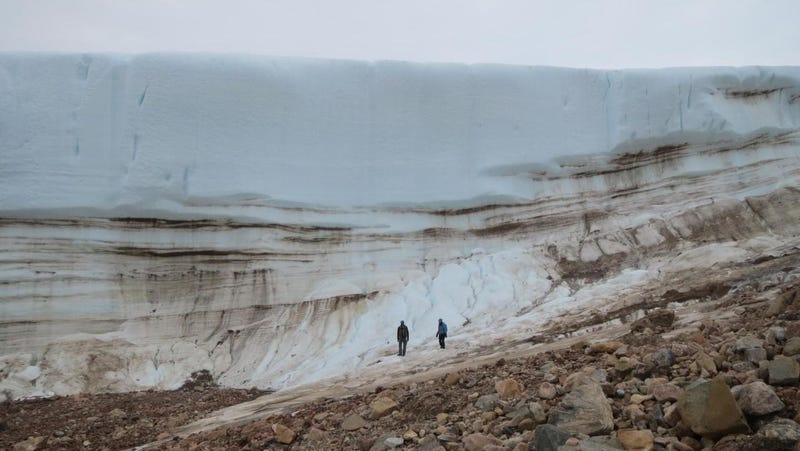 A profile of an ice sheet in northwest Greenland
