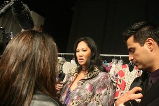 Illustration for article titled The Many Ridiculous Faces Of Kimora Lee Simmons