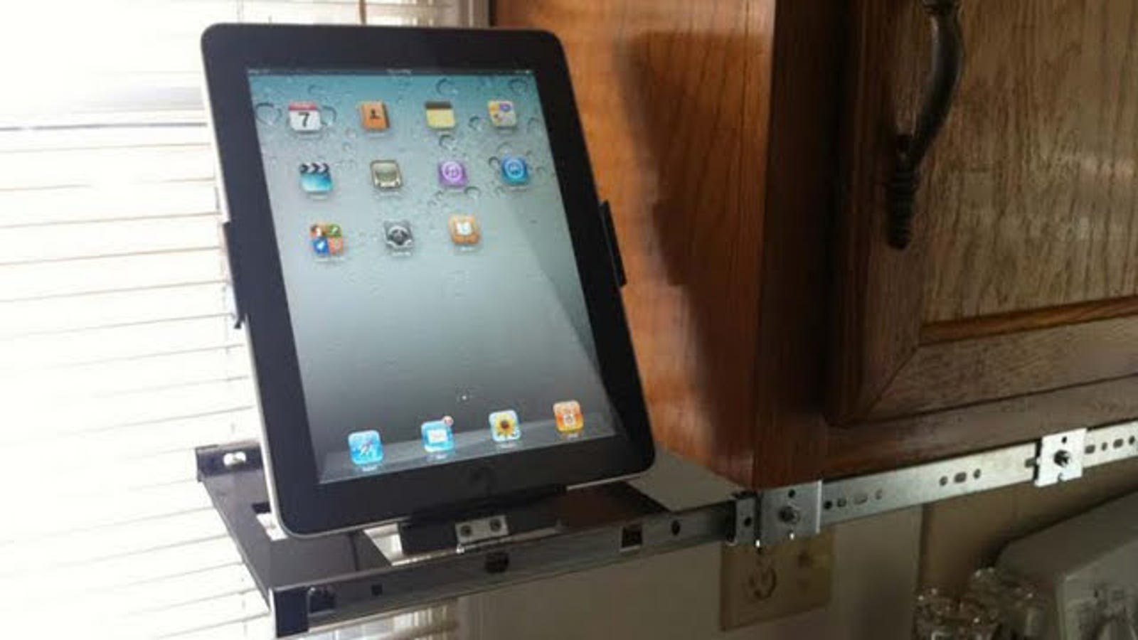 Keep Your iPad in the Kitchen (and Off the Counter) with a DIY ...