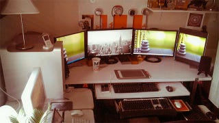 Illustration for article titled The Dual-OS, Multi-Monitor Workspace