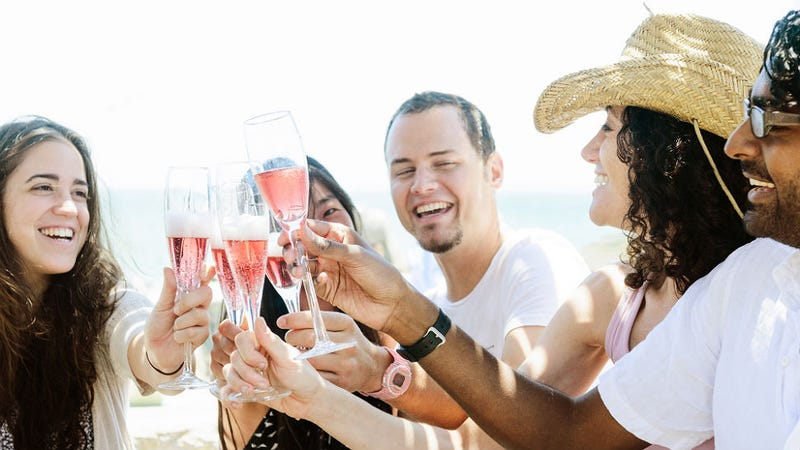 Illustration for article titled The Hamptons Are Running Out of Rosé, Summer Is Officially Over