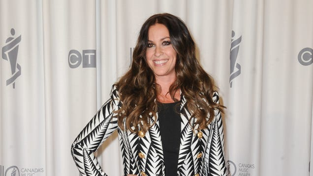 You oughta know that Alanis Morissette is playing all of Jagged Little Pill in New York next month