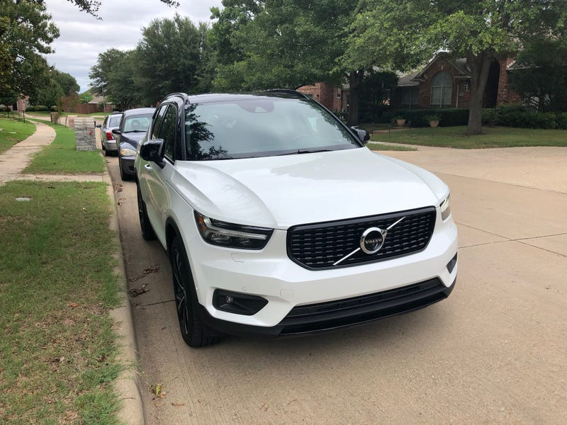 Illustration for article titled I hate small SUVs /CUVs- but would subscribe to the Volvo XC40