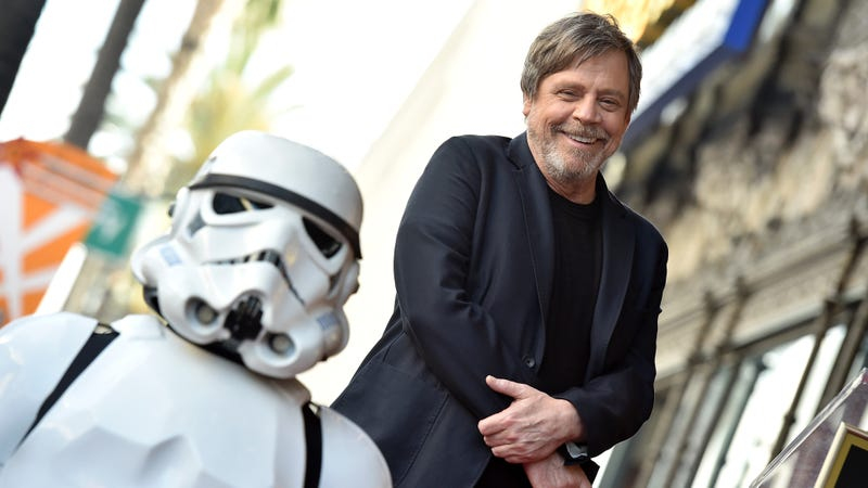 Illustration for article titled Mark Hamill thinks Carrie Fisher should replace Trump on the Walk of Fame
